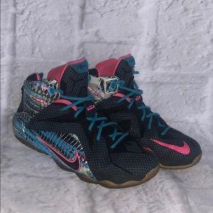 Lebron James Nike XII 23 Chromosomes 5.5Y shoes